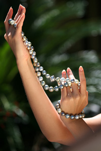 Tahitian pearl jewelry necklace