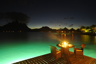 Bora Bora resort dining