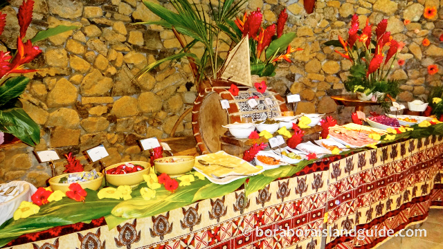 Breakfast buffet Hilton Bora Bora Resort