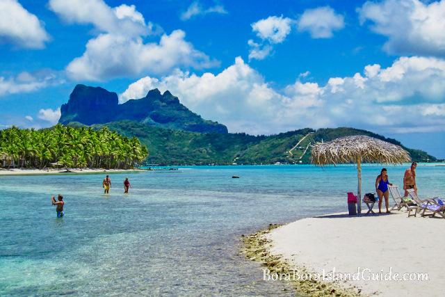 Private motu Bora Bora